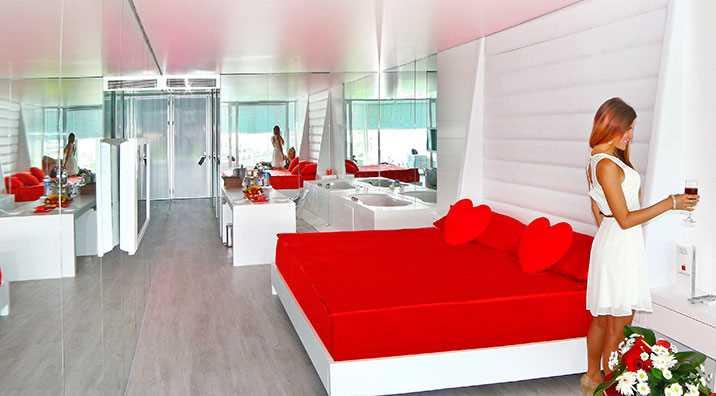 Desing Suit odalarda (120 m2), 2 yatak odası, 1 giyinme odası, 2 banyo (duş), balkon bulunmaktadır.