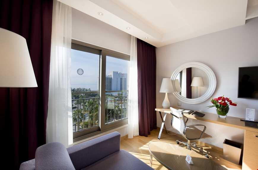 Casual Suite Deniz Manzaralı Balkonlu