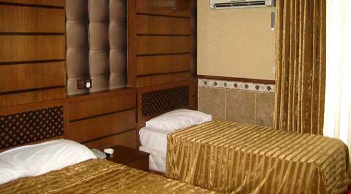 Tesisin odalarında, duş, klima, uydu yayınlı tv, saç kurutma makinesi, balkon, kablosuz internet, telefon, kasa bulunmaktadır.