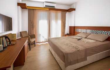 Azmakhan Deluxe Otel