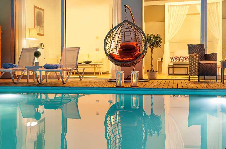Balayı Suite Özel Havuzlu Deniz Manzaralı