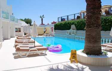 Erta Soyak Beach Hotel