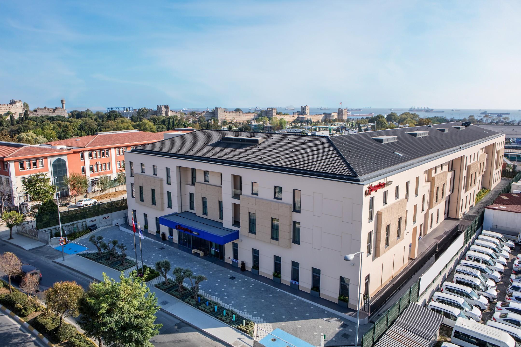 Hampton by hilton istanbul zeytinburnu stanbul otelleri for Istanbul hoteller