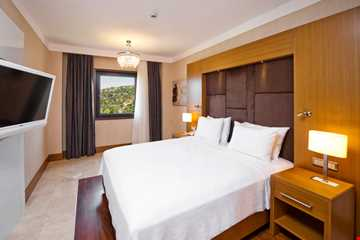 One Bedroom Suite Kara Manzara Min.7 Gece