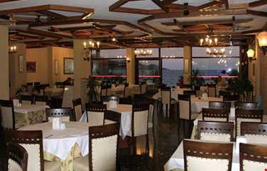 Mendos Hotel