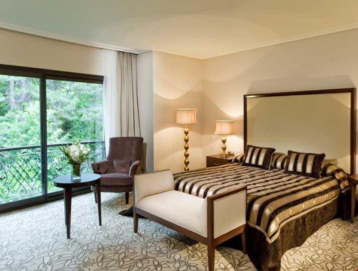 40 m2 genişliğinde, 1 yatak odası ve oturma odası bulunan küvetli odalardır.