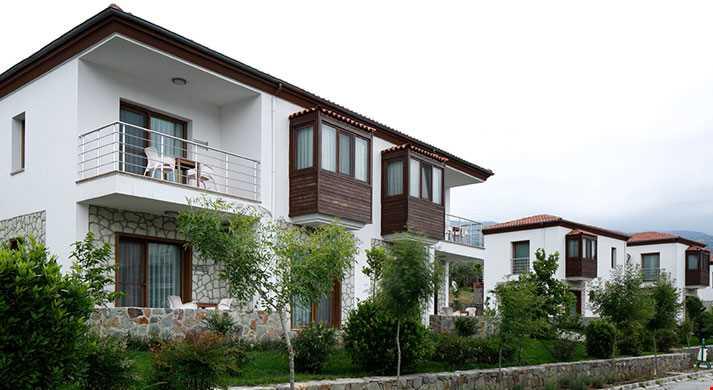 55 m² ve 60 m² genişliğindedir.