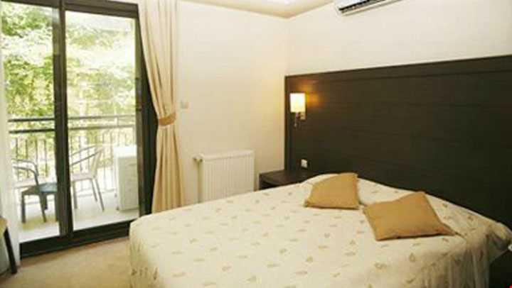 2 ayrı yatak odası ve salondan oluşmaktadır.