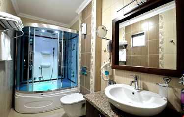 RHİSS HOTEL