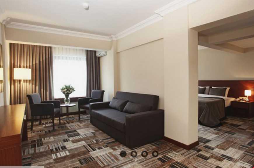 35-47 m2 genişliğindedir. Yatak odası ve oturma odası olarak iki bölümden oluşmaktadır.