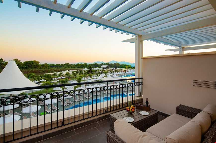 Family Pool Balcony Suite