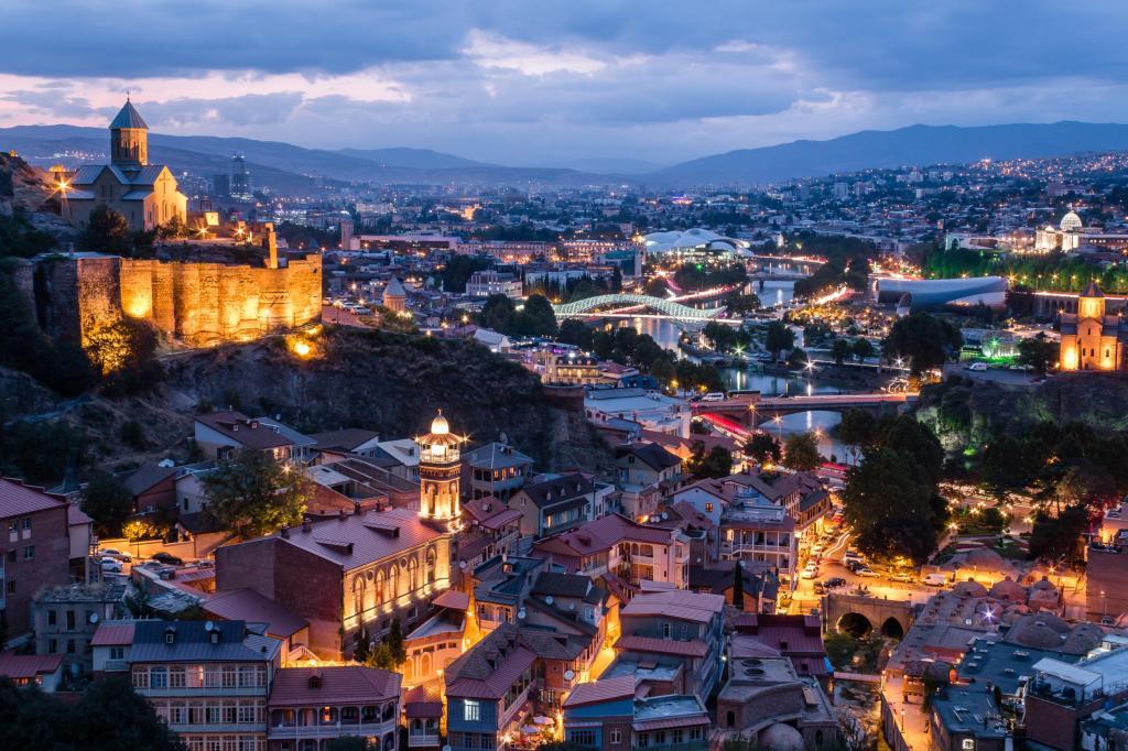 İstanbul'dan Uçaklı Karadeniz Tiflis-Batum Turu